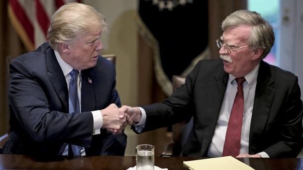Bolton lật bài: Mỹ trừng phạt Venezuela, cảnh báo Nga chuyển quân