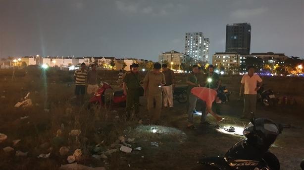 Đôi nam nữ bốc cháy giữa bãi đất trống: Không cãi vã