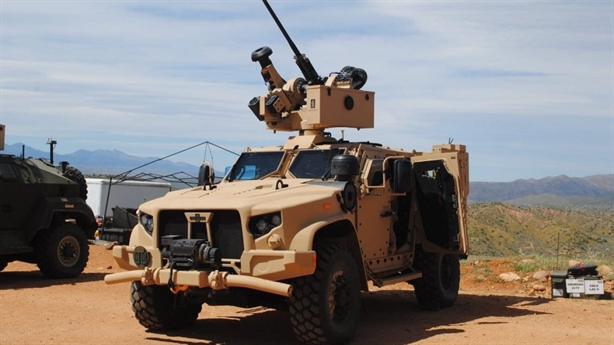 Mang Javelin, xe chiến đấu JLTV Mỹ có mạnh hơn?