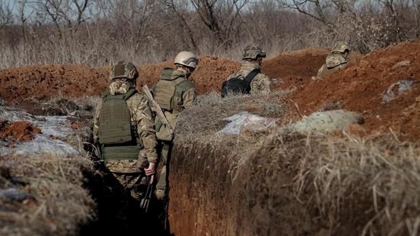 Sát bầu cử, Kiev tố Donbass dùng vũ khí hạng nặng