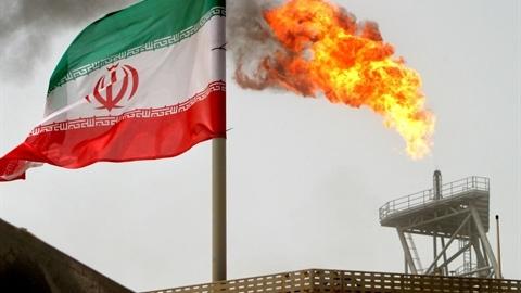 Mỹ siết cấm vận, eo Hormuz thành con tin của Iran