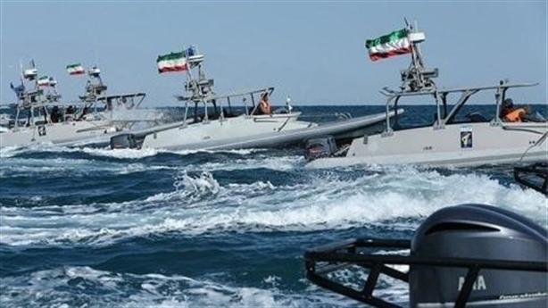 Iran dọa đóng cửa Hormuz, Mỹ tự tin dọa ngược
