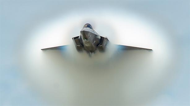 F-35 tự đốt cháy vỏ tàng hình khi bay Mach 1,2