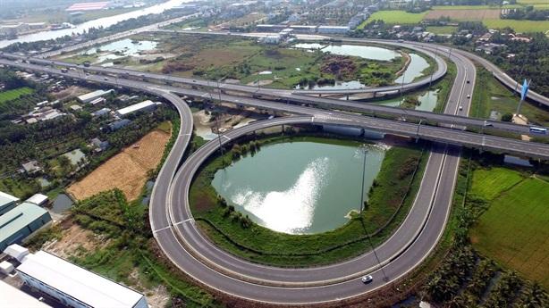 Chỉ nhà thầu Trung Quốc quan tâm cao tốc Bắc-Nam: Thận trọng