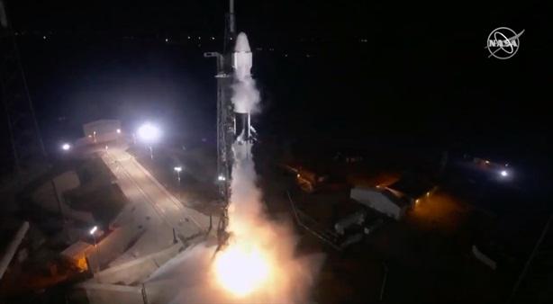 Tên lửa Falcon-9 thành công đưa Dragon lên Trạm ISS