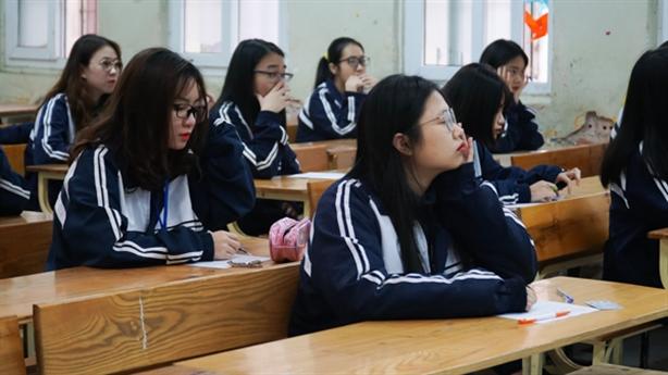 Cấm lên mạng nói xấu giáo dục: Giúp hình thành nhân cách?