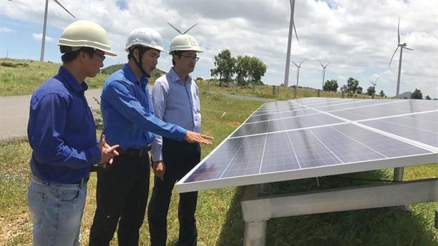 Đầu tư điện mặt trời, ngân hàng 'khóc': Nhận diện rủi ro