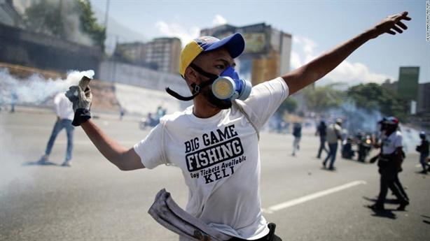 Bàn cờ Venezuela: Guaido hết giá trị, Nga-Mỹ lại chia bài