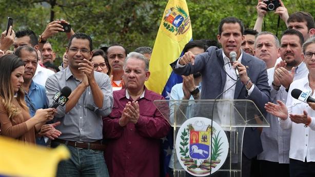 Đảo chính thất bại, Guaido nói ý định bắt tay Mỹ