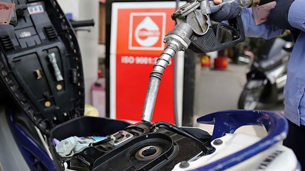 Bất thường cách tính thuế tiêu thụ đặc biệt xăng dầu?
