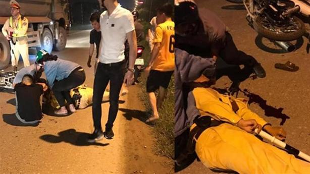 Thiếu úy CSGT bị thanh niên đi xe máy tông nhập viện