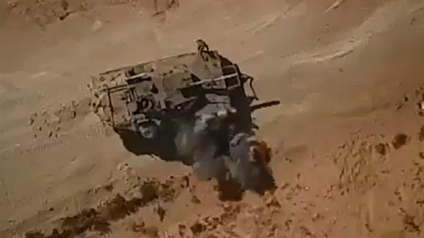 Lính Israel bất lực nhìn tăng Merkava bị tấn công