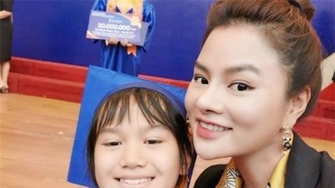 Người đẹp Việt liên tiếp khoe yêu quý con riêng của chồng
