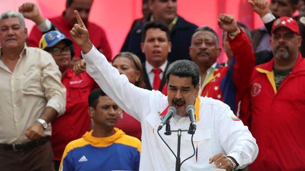 Chính quyền Maduro thừa nhận kinh tế khủng hoảng