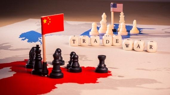 Chiến tranh thương mại: Mỹ chặn cửa chính, Trung lách cửa hậu