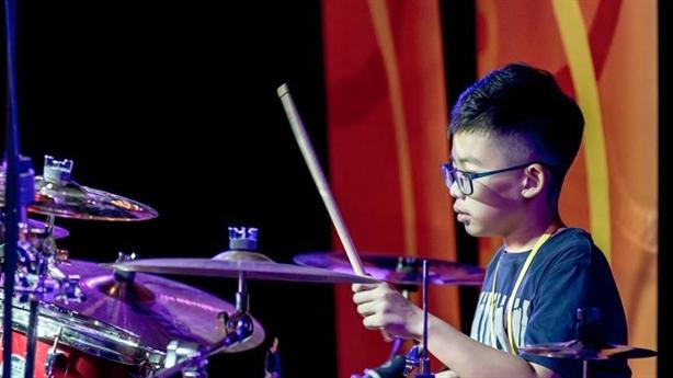 Tay trống 13 tuổi giành giải Vàng tại LHNT Châu Á TBD