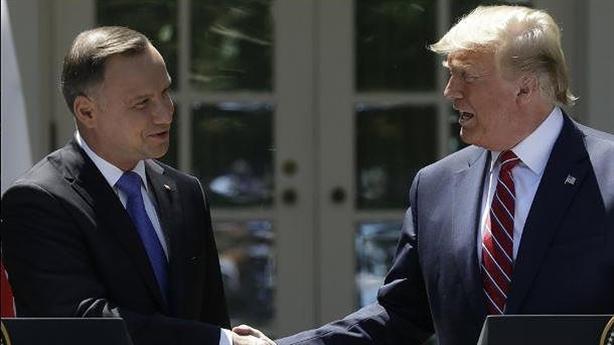 Mỹ bán thêm LNG, tăng quân cho Ba Lan chống Nga