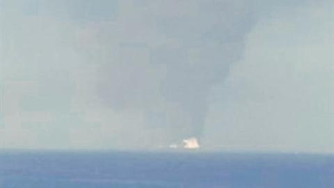 Tàu chở dầu trúng ngư lôi, tình hình Iran-Mỹ cực nguy hiểm