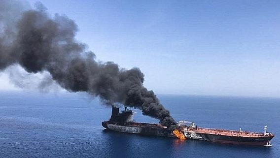 Tấn công 6 tàu dầu: Có kẻ kích động chiến tranh Mỹ-Iran?