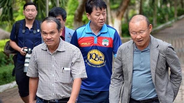 Thái Lan chi đậm đón ông Park, VFF lo nổi tiền lương?