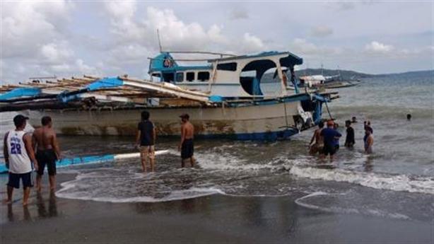 Tàu cá bị đâm chìm, Tổng thống Duterte vẫn im lặng