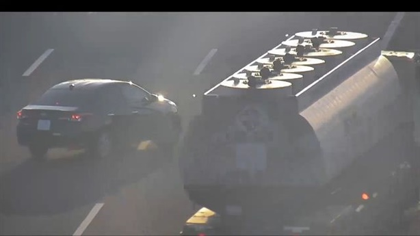 Ô tô đi lùi trên cao tốc: Đề nghị xử nghiêm