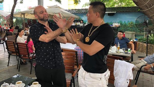 Cao thủ vịnh xuân Canada đấu võ sĩ Việt theo luật MMA
