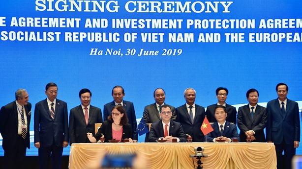 Việt Nam-EU ký kết Hiệp định thương mại tự do