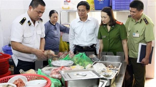 Hà Nội quyết liệt cơ sở vi phạm an toàn
