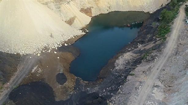 Phát lộ 7.000 tấn than dưới móng dự án:'Đười ươi giữ ống'?