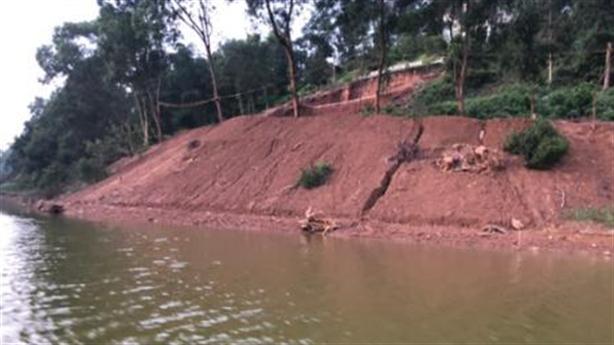 Thông tin nóng vụ san lấp trái phép hồ Đồng Mô