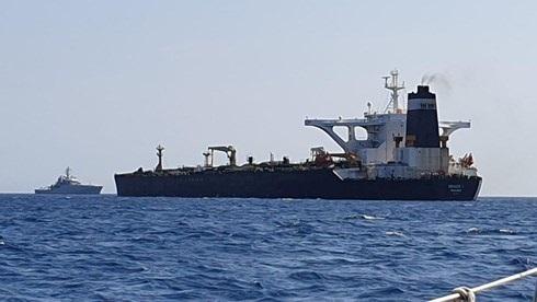 Anh bắt tàu chở dầu Iran: Mỹ khen