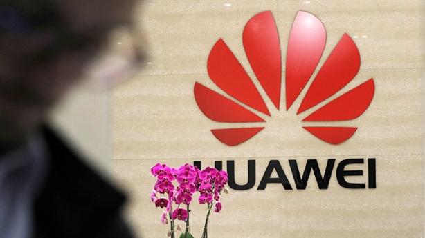 Huawei thấp thỏm lo sợ thời hậu Theresa May
