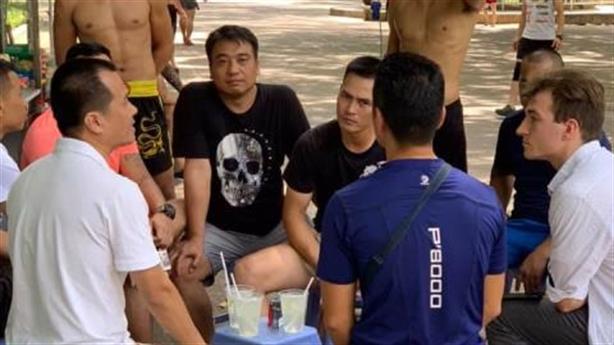 Sư đệ Flores gặp cựu vô địch SEA Games và cái kết