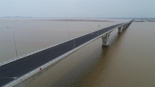 Nhiều sai sót ở dự án đường ôtô vượt biển Hải Phòng