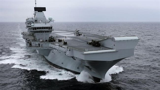 Nga nói gì khi tàu Elizabeth bị gần 200 tấn nước vào?