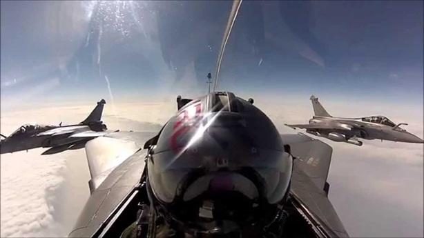 Ghế phóng Rafale hất tung lái phụ khi cất cánh