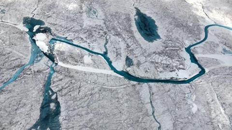 Phát hiện bí mật dưới lớp băng khổng lồ ở Greenland