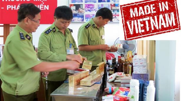 Nhập hàng Trung Quốc dán mác Việt Nam: Sôi động sau Asanzo...