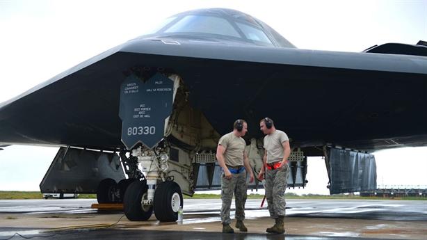 Mỹ bắt đầu sản xuất máy bay