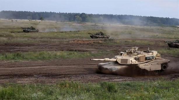 Mỹ dùng T-72 tập trận đối phó Nga
