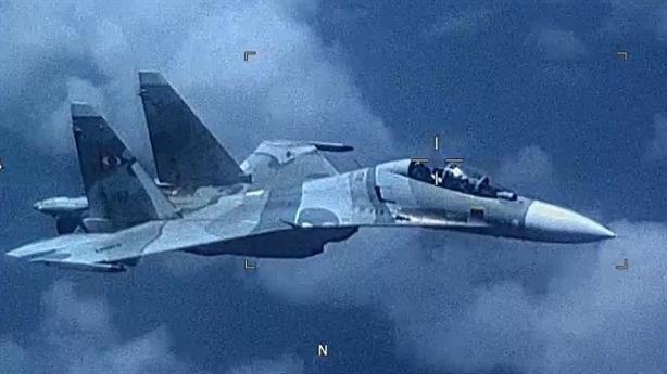 Su-30 Venezuela bay dọc đường bay EP-3, Mỹ phản ứng