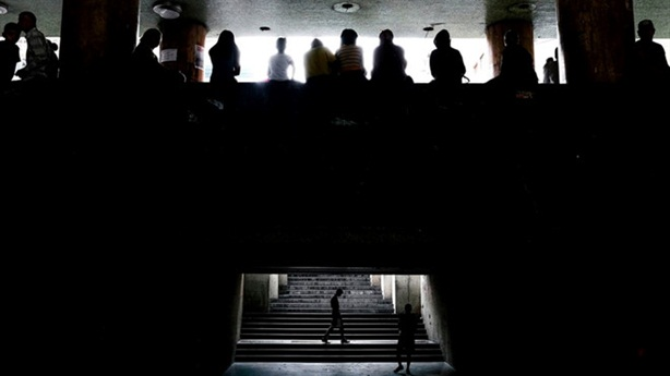 Máy bay Mỹ trinh sát Caracas khi một nửa Venezuela mất điện