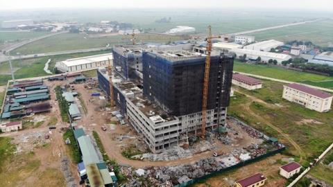 Bệnh viện nhi giữa khu công nghiệp: Sở can nhưng vẫn xây