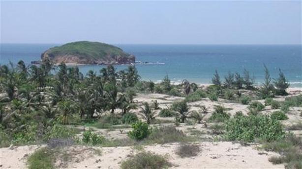 Bí ẩn lý do cá nhân thu gom 80ha đất ven biển