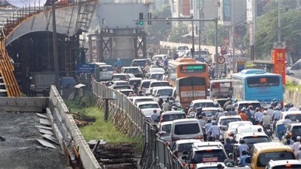 Thu phí vào nội thành Hà Nội, giảm ùn tắc: Nhầm người?