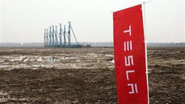 Tesla ngược dòng, đầu tư khủng vào Trung Quốc