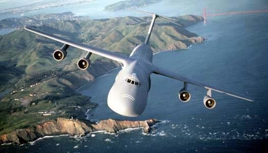 C-5M Super Galaxy chịu sét tốt hơn F-35 nhiều lần