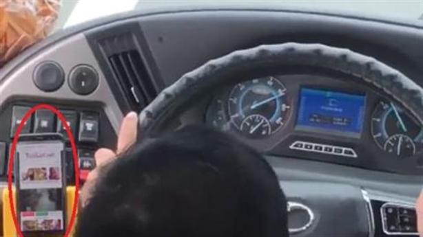 Ghi hình tài xế dùng điện thoại: Xử xe công nghệ trước?