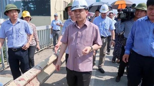 Bộ trưởng Thể quyết sửa cầu Thăng Long